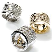 Ring-Unikate der Kollektion Mäander gearbeitet aus Weissgold und Roségold mit Diamenten und kleinen Brillanten aus der Manufaktur Ruth Sellack Schmuckobjekte