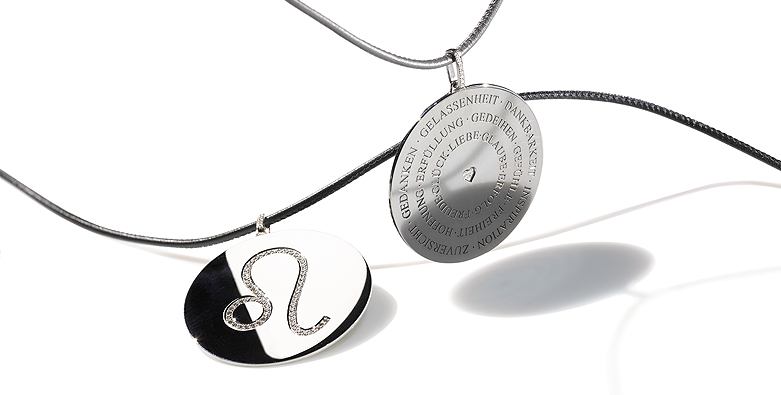 Individuelle Silberamulette mit Edelsteinen von Ruth Sellack Schmuck Objekte, Stuttgart