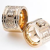 Jubiläums-Edition »Twentyfive« Ringe in Gelbgold und Weißgold mit Diamanten und kleinen Brillanten besetzt
